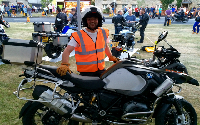 Martin Ritchie Cassington Organiser with his R1200GSA LC